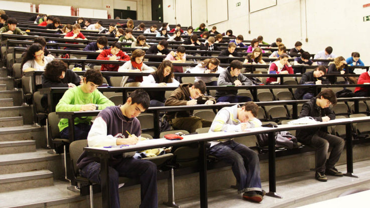 Aspirantes durante la prueba del PIR