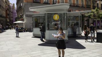 Punto de información turística en Madrid.