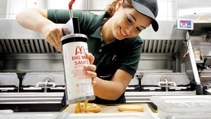 Empleada de McDonalds.