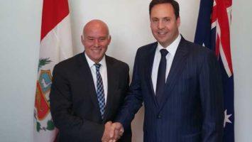 El Ministro de Comercio Exterior y Turismo de Perú; Eduardo Ferreyros y el ministro de Comercio Turismo e Inversión de Australia; Steven Ciobo.