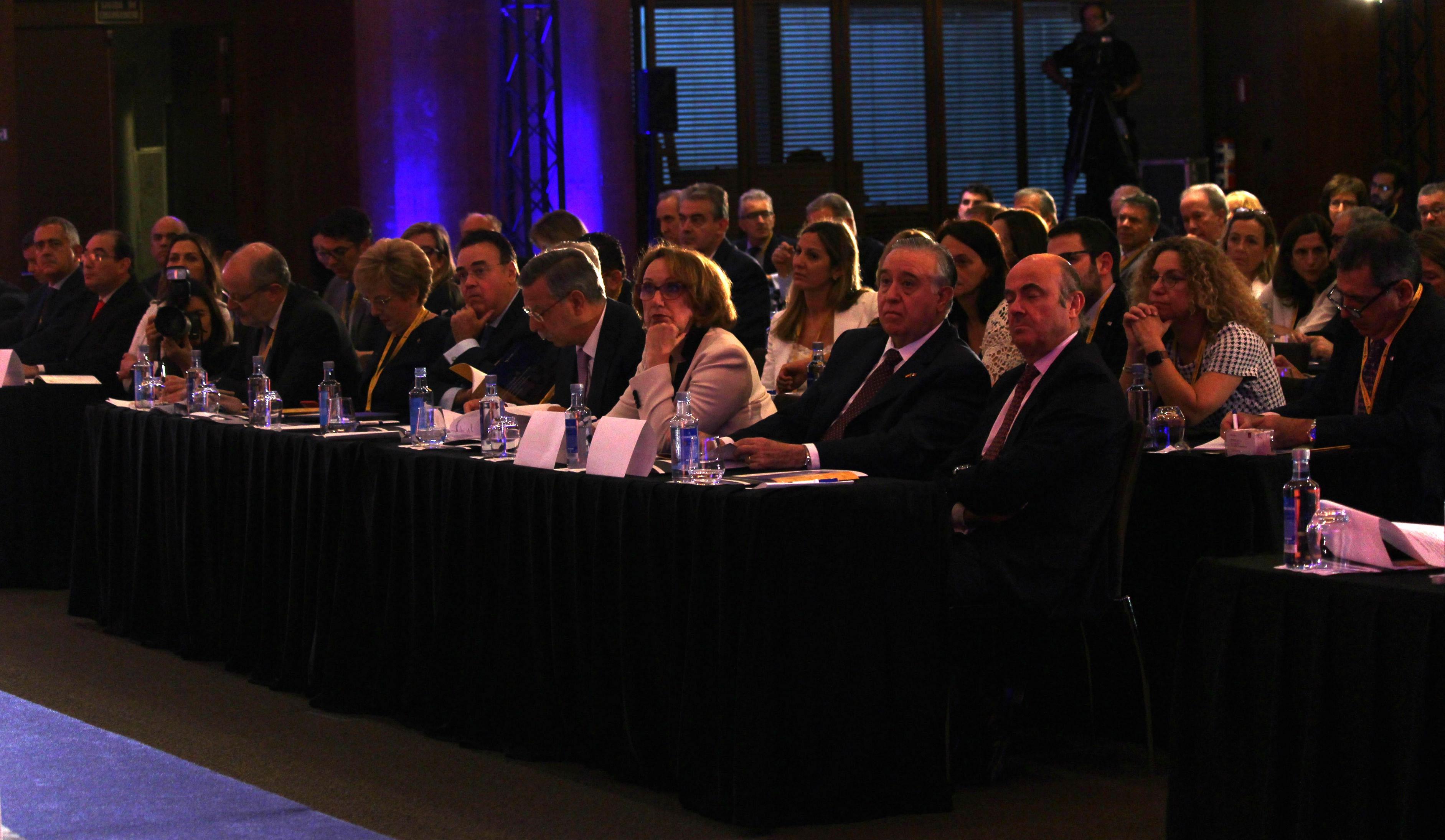 Autoridades durante la inauguración del 'I Congreso Iberoamericano para Presidentes de Compañías y Familias Empresarias'.