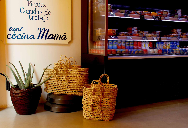 Interior de la tienda El Taper de mi Madre.