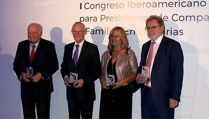Enrique Iglesias, presidente de honor de Ceapi; Josep Piqué Camps, presidente de la Fundación Iberoamericana Empresarial; Trinidad Jiménez, asesora de Telefonica; y José Luis Cebrián, presidente de Grupo Prisa.
