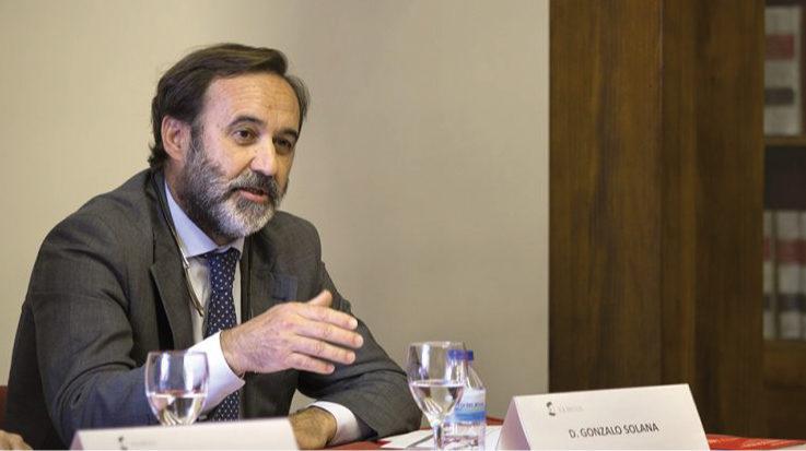 """Gonzalo Solana durante la presentación del libro, """"Perú: firme vocación internacional""""."""