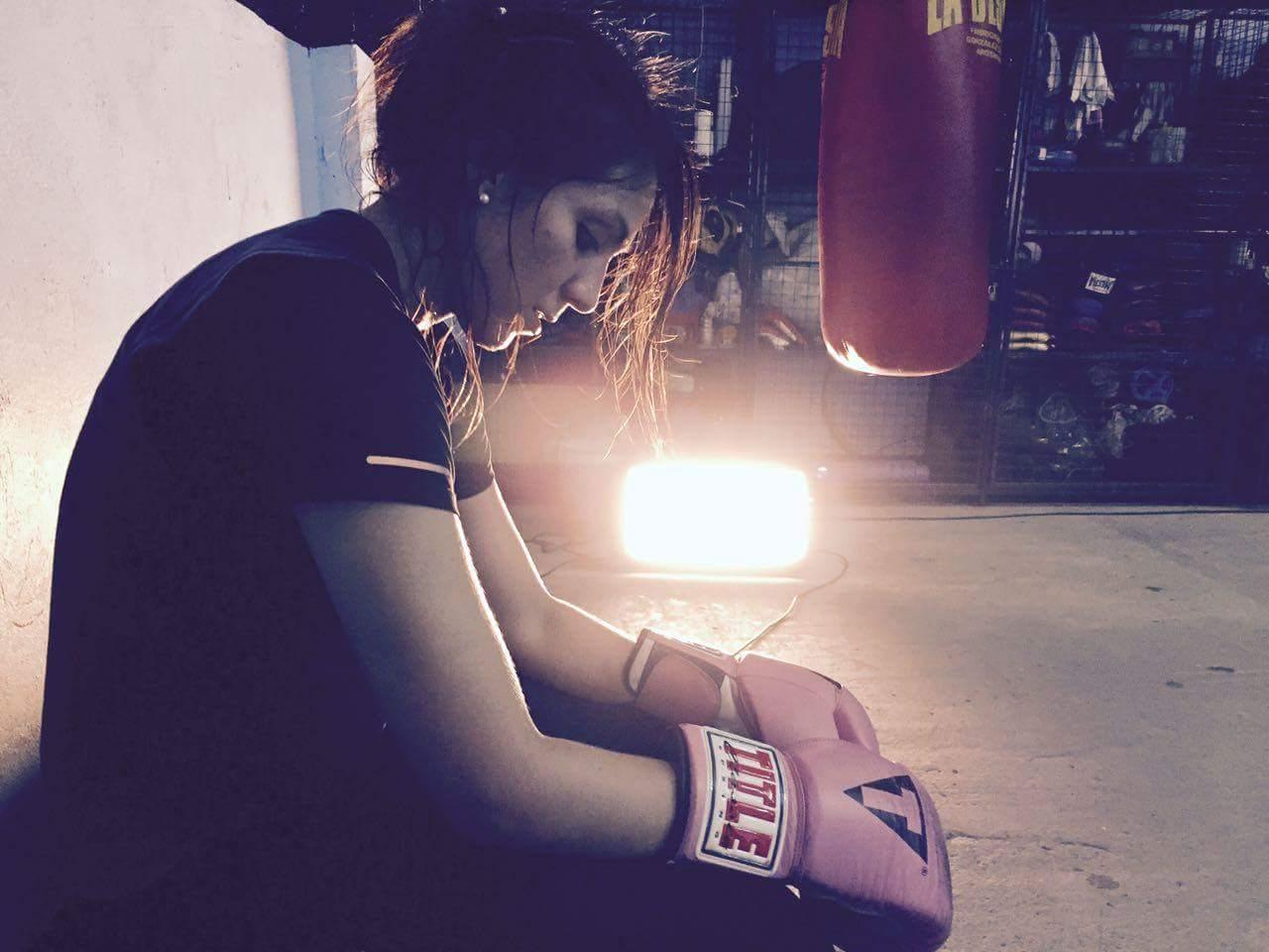 La joven argentina nos cuenta que el boxeo es un deporte donde existen muchos obstáculos.