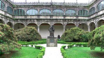 Claustro del Palacio de Fonseca, Universidad de Santiago de Compostela.