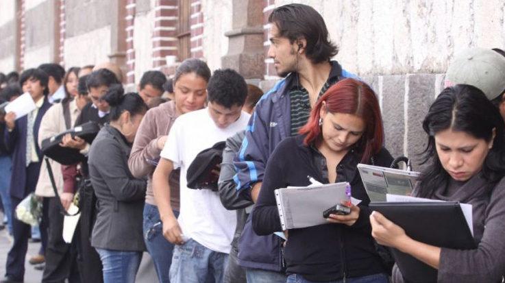 El Fondo Monetario Internacional (FMI) advierte de los retos en materia de generación de empleo en América Latina.