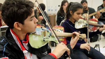 La orquesta de instrumentos reciclados de Cateura estará en España durante la Navidad.