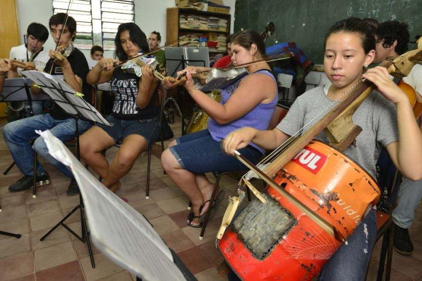 En esta edición, los jóvenes intérpretes tocarán la conocida Marcha Radiezky en versión de instrumentos reciclados.