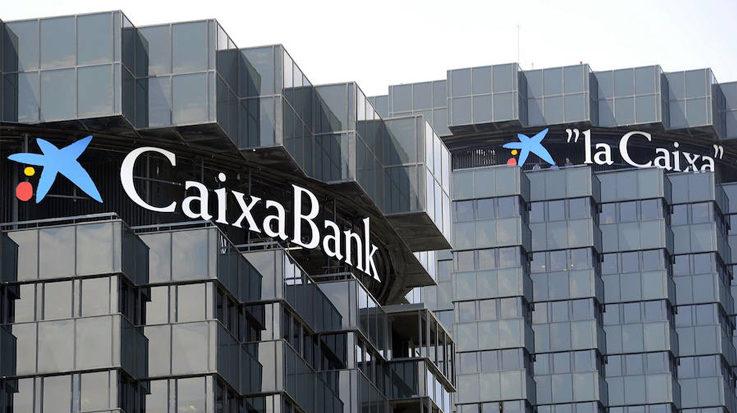CaixaBank logra unos beneficios del 48,7% superiores al trimestre anterior.