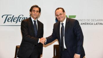 José María Álvarez -Pallete, presidente y CEO de Telefónica, y Luis Carranza, presidente ejecutivo del Banco de desarrollo de América Latina (CAF).