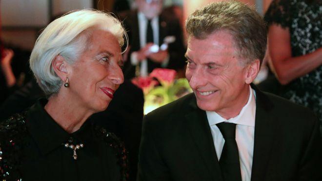El FMI aprueba aumentar la línea de financiación para Argentina desde los 50.000 millones de dólares acordados en junio.