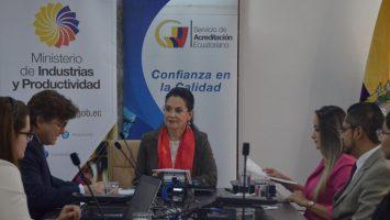 España y ecuador firman un convenio para promover prácticas de acreditación y capacitación en ambos países.