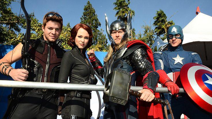 Capitan Marvel Y Los Falsos Vengadores Todo Lo Que: Los Vengadores Aterrizan En Disneyland París
