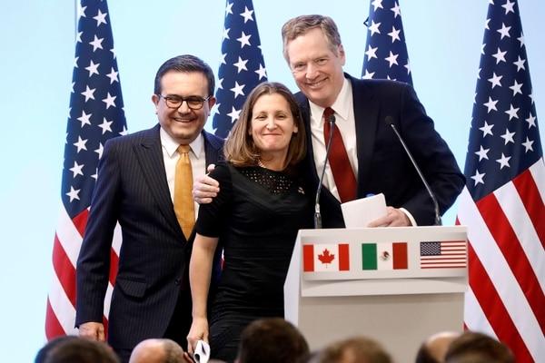 El ministro de Economía mexicano señala que aún no se ha determinado si los líderes de EEUU, México y Canadá participarán en la firma del acuerdo.