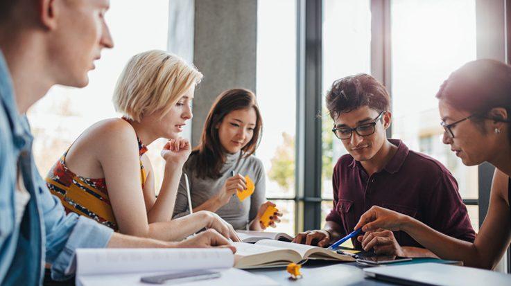 Para el 2018, la Fundación Carolina impulsará nuevos proyectos en digitalización corporativa y producción de análisis estratégicos.