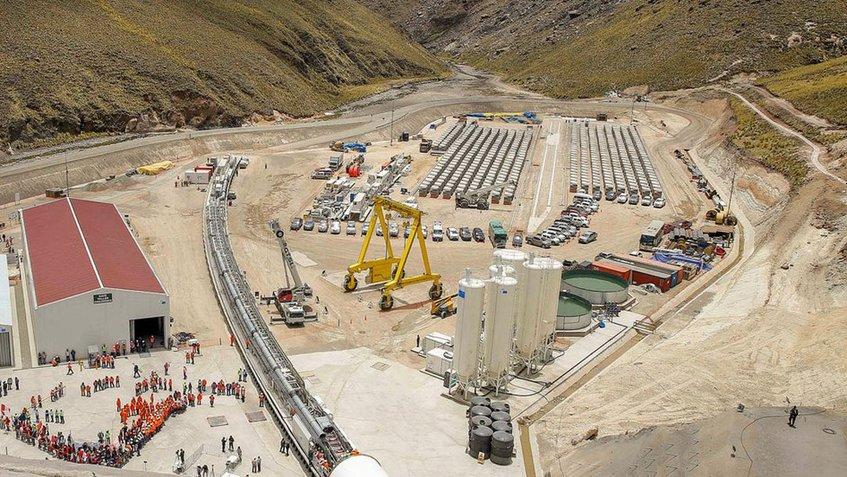 Perú construye un túnel de 16 km para cultivar en desierto