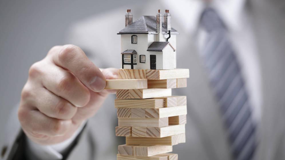 La directora de estudios de Fotocasa afirma que los datos de compraventa confirman que el mercado se aleja de la amenaza de una burbuja inmobiliaria.