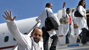La Confederación Nacional de Municipios de Brasil considera necesaria la presencia de los 14.000 médicos cubanos.