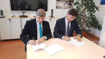 Santander y Perú firman un protocolo general de actuación para establecer un marco de colaboración y de relación entre ambas instituciones.