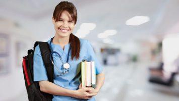 Colombia lidera el número de aspirantes extracomunitarios inscritos en el examen MIR.
