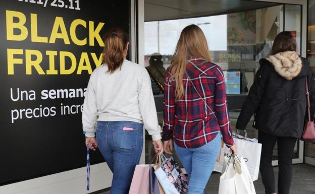 Los televisores, los smartphones y las aspiradoras serán los productos más demandados en este 'Black Friday'.