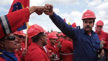El 'Socialismo del Siglo XXI' lleva a Venezuela a un colapso en la producción petrolera.
