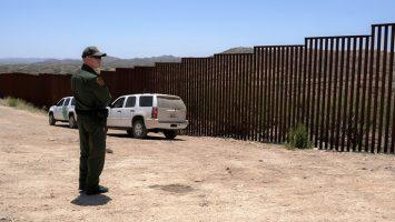 La tasa de inmigrantes ilegales en Estados Unidos ha disminuido, principalmente por la baja en el número de personas que llegan de México.