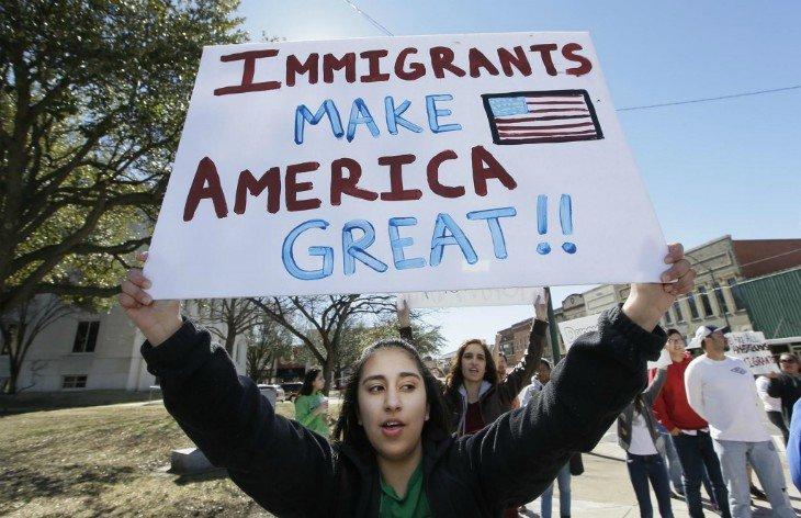 Los investigadores precisan que parte de la causa de la reducción de inmigrantes ilegales se debe a la recesión económica que afectó a EEUU en 2007.