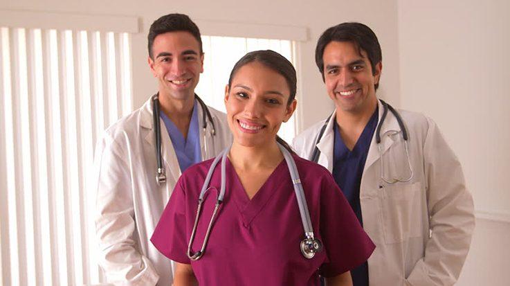 El Ministerio de Sanidad indica que el número de médicos extracomunitarios inscritos en el examen MIR ha crecido en un 22,10 por ciento.