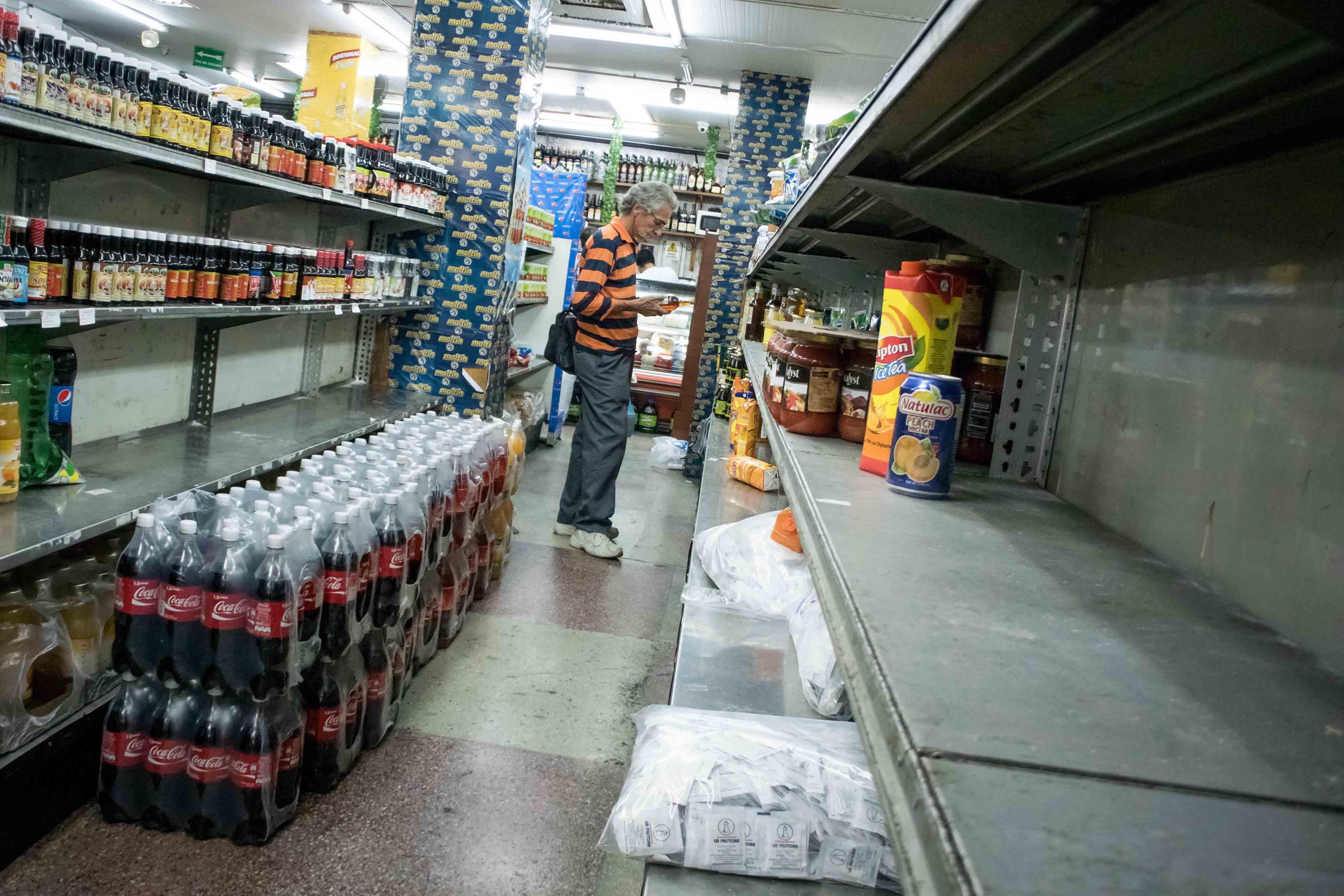 Para el próximo año, el FMI estima una inflación del 2.349,3 por ciento en el país bolivariano.