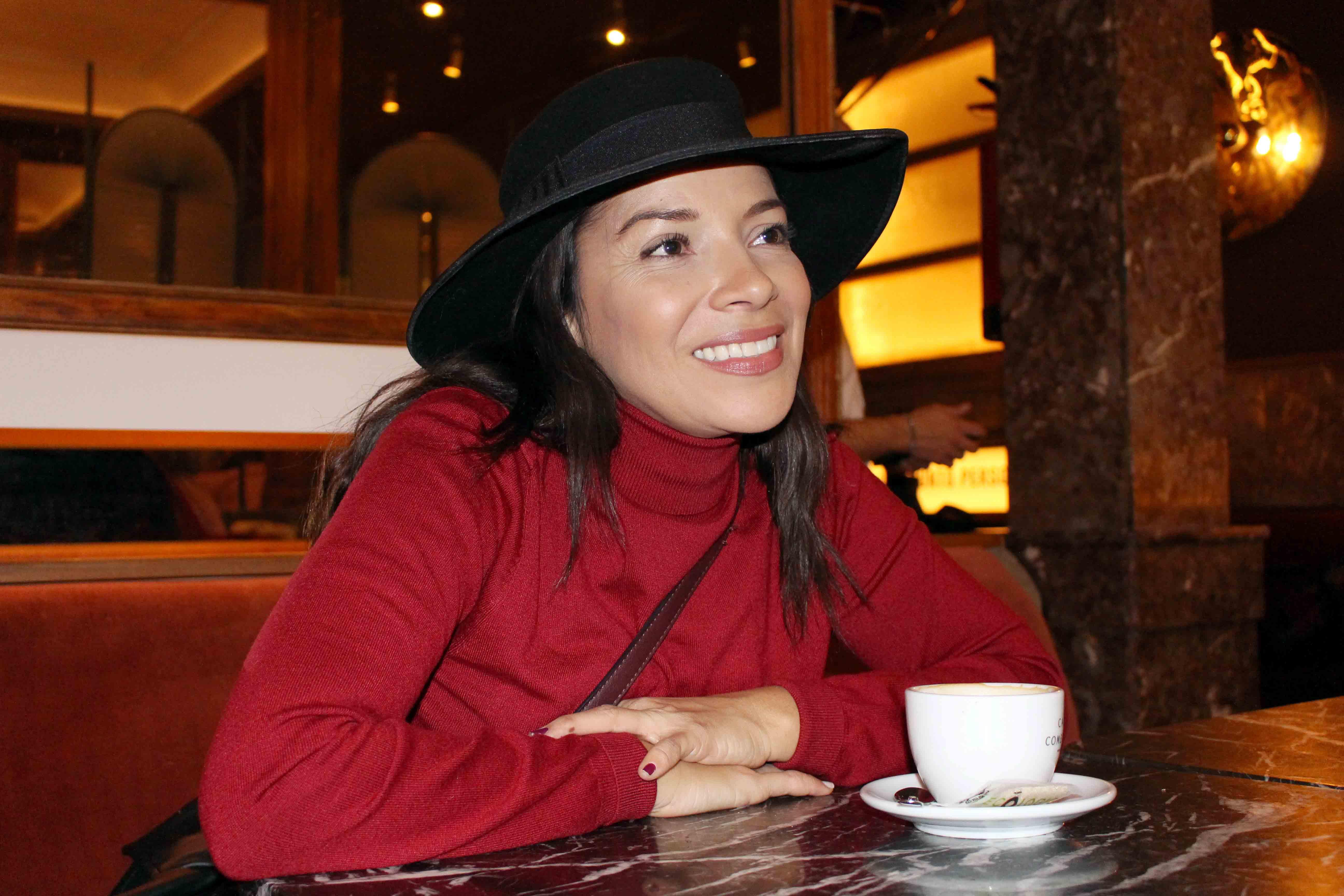 Paula comenzó su carrera en la radio en el programa 'Los habitantes de la noche'.