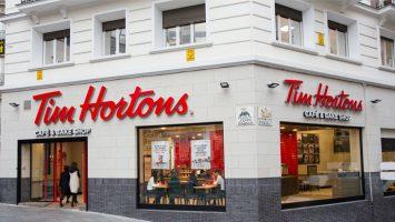 El nuevo Tim Hortons en la plaza de Santo Domingo, Madrid.