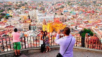 México prevé alcanzar un volumen superior a los 44 millones turistas internacionales para el 2019.