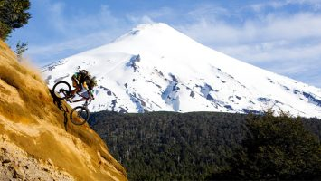 Chile recibe el premio a 'Mejor Destino de Turismo Aventura del Mundo' en los World Travel Awards por segundo año consecutivo.