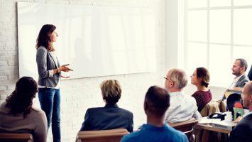 La Escuela Iberoamericana de Liderazgo convoca 250 becas para líderes iberoamericanos.