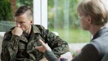Los psicólogos militares deben aprobar varias pruebas de conocimiento, idiomas, capacidades físicas y estado psicológico.