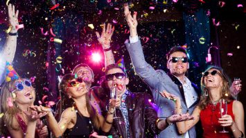 Las fiestas latinas se organizan en establecimientos con un aforo medio de entre 600 y 1.000 personas.