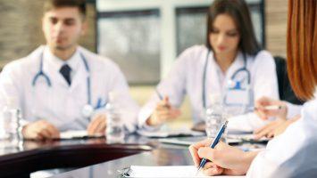Un estudio revela la eficiencia de los programas 'academic half-day' en la adquisición de competencias dentro del MIR.