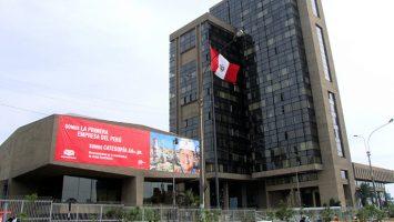 Petroperú recibe una sanción de 15 millones de dólares por los derrames de 4.400 barriles de petróleo en Amazonas y Loreto.