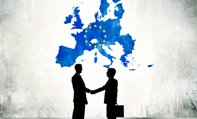 la Unión Europea negociará un tratado de libre comercio con México durante febrero 2018.