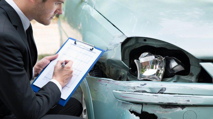 En España se han registrado unas 400 bandas especializadas en el fraude a los seguros de coches durante los últimos cinco años.