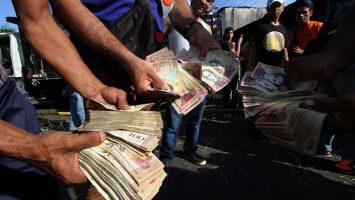 El FMI prevé que el Producto Interior Bruto venezolano caerá un 15 por ciento en 2018.