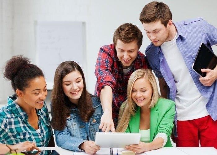 La elección de los candidatos se basará en su expediente académico, manejo de idiomas y currículum, entre otros.
