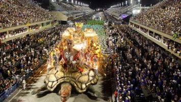 El carnaval de Río de Janeiro recibió unos 400.000 turistas extranjeros.