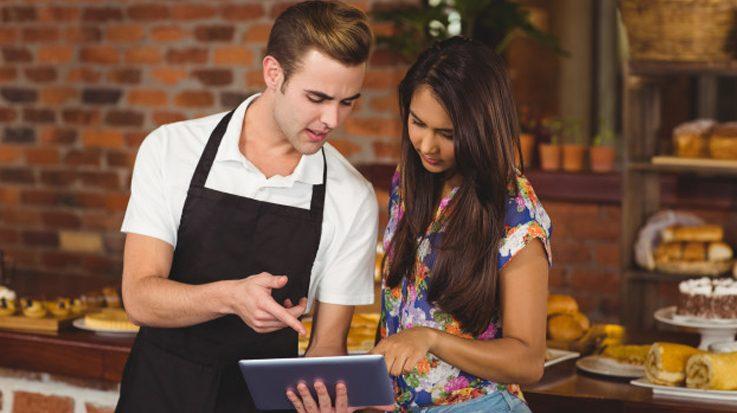 Un estudio realizado por CCOO revela que casi el 50 por ciento del los trabajadores con contratos de formación ocupan puestos de camareros, peones y limpiadores.