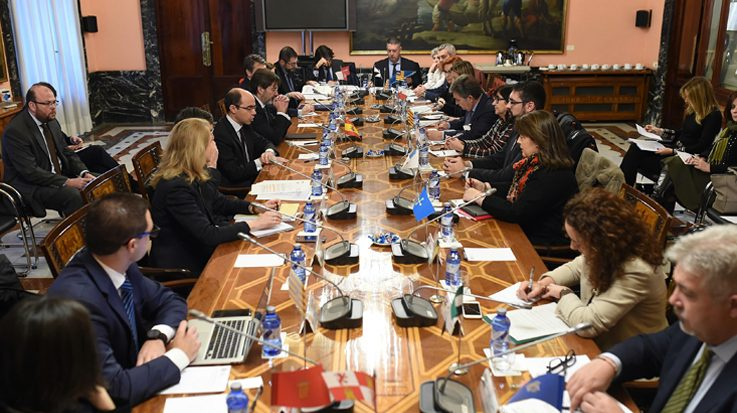 La Comisión promoverá la digitalización de los procesos de contratación pública.