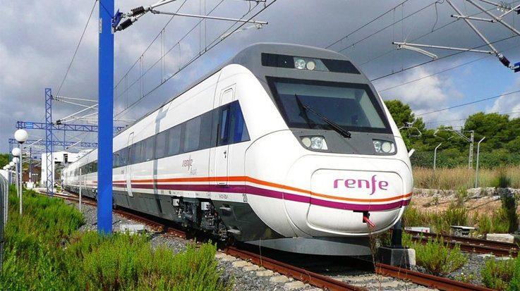 El Renfe estima transportar a 1,05 millones de pasajeros anuales con el nuevo AVE 'low cost'.