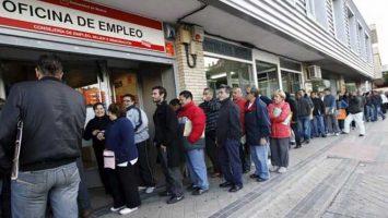 El desempleo sube a 3.476.528 personas al cierre de enero en España.