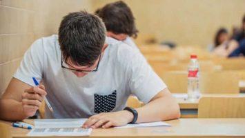 Los aspirantes al MIR no podrán olvidar objetos como el DNI o el pasaporte, varios bolígrafos de color negro o azul y clips el día del examen.